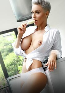 open minded cheap london escort w2 bisexual charlie
