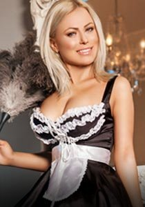 sexy blonde 32B escort in Chelsea SW3 Lea french maid