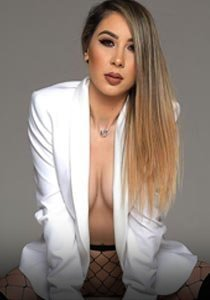 open minded london escort CIM party girl bisexual Molly