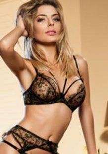 open minded blonde london escort Gloucester Road SW7 Carina