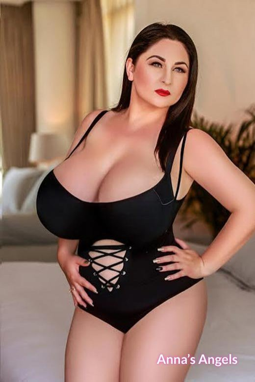 alice Mature big tits